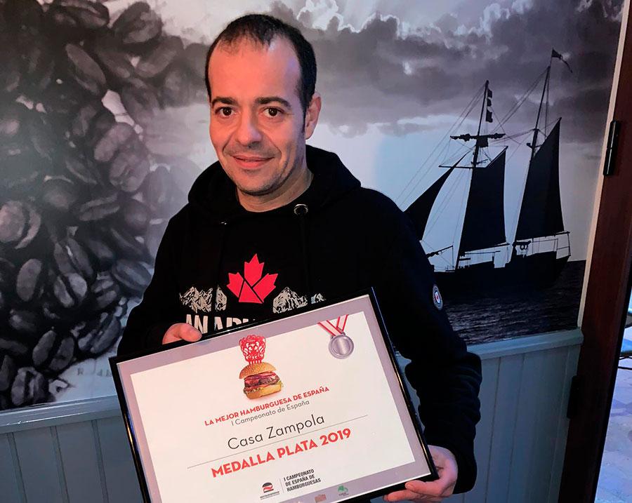 Una hamburguesa de La Pola, medalla de plata en el campeonato nacional