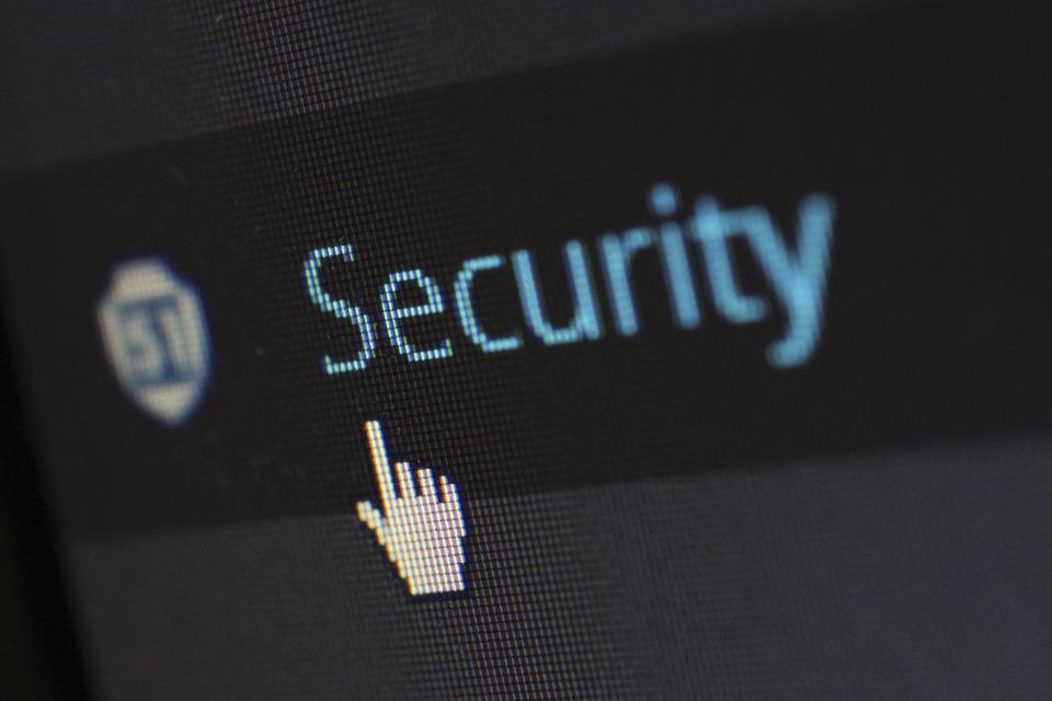 Julio estuvo marcado por las sanciones por brechas de datos a grandes empresas y la invasión de la privacidad de los asistentes virtuales