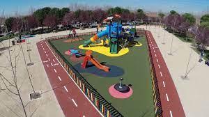 Los parques y las pistas deportivas al aire libre de Boadilla continuarán cerradas por la noche