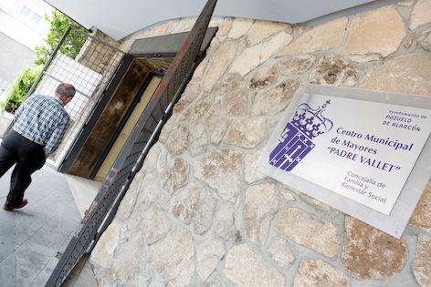 Renovación automática de las plazas en los  centros de mayores de Pozuelo