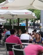 Cierre a la una y más personas por mesa en Madrid