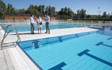 Abre la piscina de verano del polideportivo Carlos Ruiz con acceso restringido a empadronados