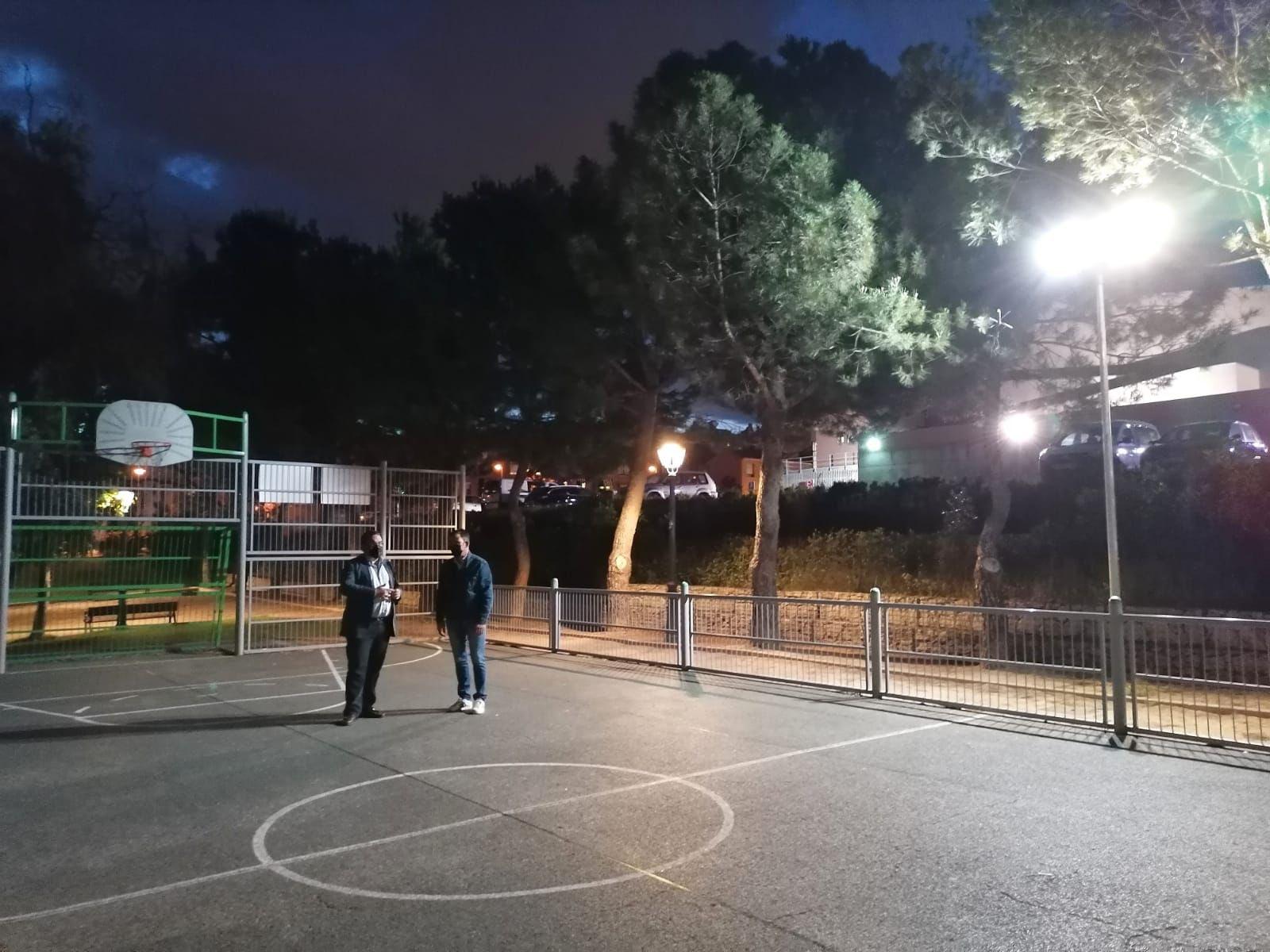 La pista deportiva de la calle Sigüenza de Boadilla se podrá utilizar de noche