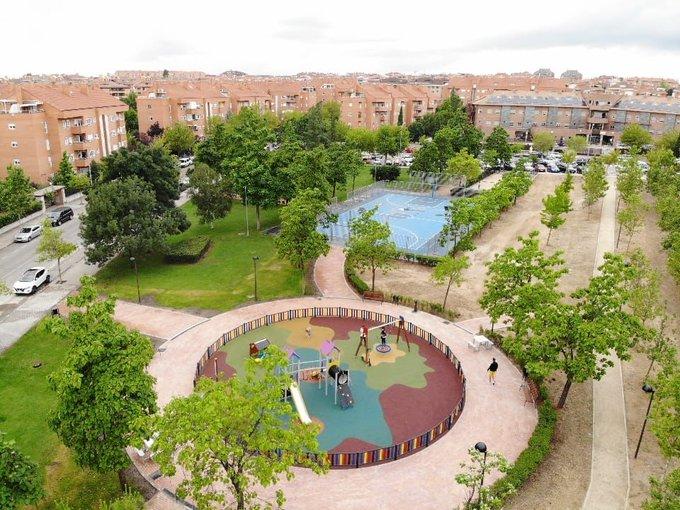 Trineo de juegos para los más pequeños en el parque Gregorio Marañón de Boadilla