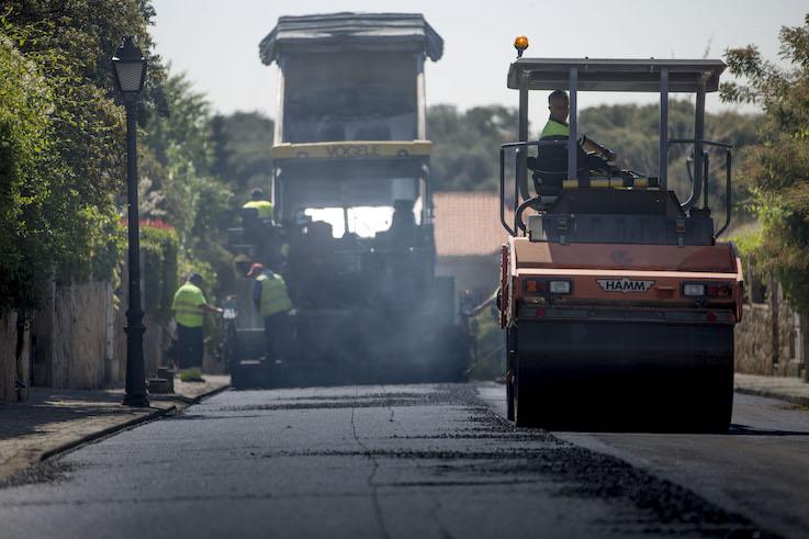 Las Rozas asfaltará más de 100 calles del municipio este verano