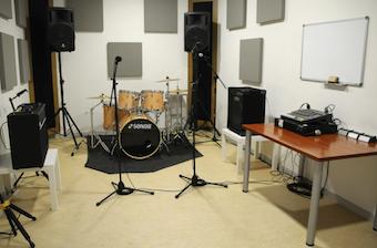 Los músicos de Boadilla podrán grabar sus maquetas en la Casa de la Juventud