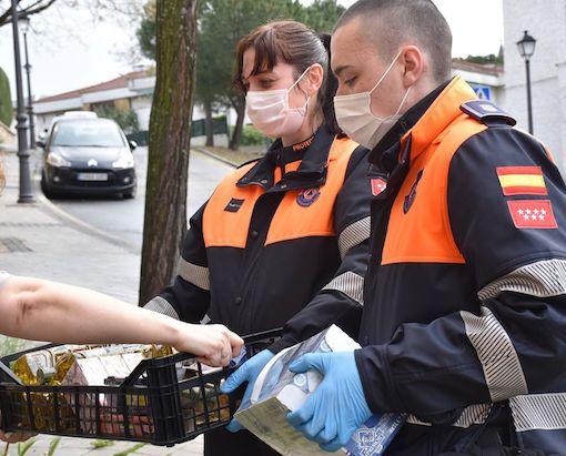 Protección Civil Villaviciosa reparte alimentos a las familias más vulnerables