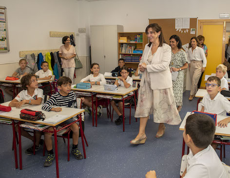 Pozuelo entregará 100 euros por hijo para comprar material escolar en los comercios locales